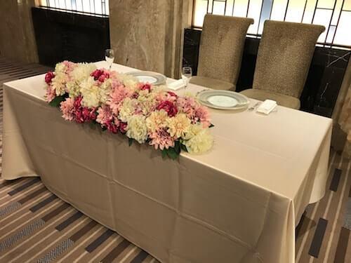 センチュリーコート丸の内、結婚式披露宴会場新郎新婦の席