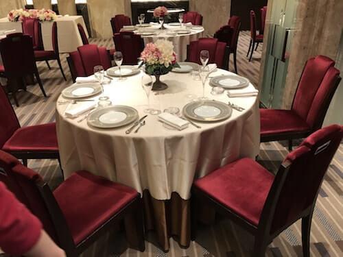 センチュリーコート丸の内、結婚式披露宴会場テーブル