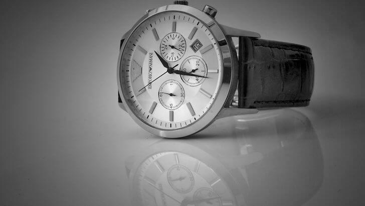 まとめ:結納返しの品物では腕時計、スーツ、家電などが人気